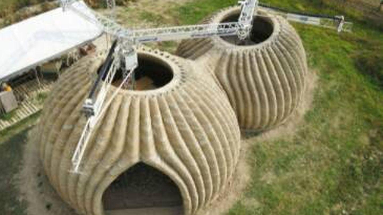 El proceso de fabricación de estas casas de tierra.