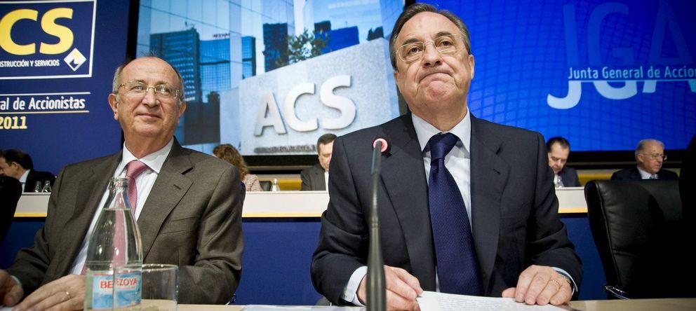 Foto: El presidente de ACS, Florentino Pérez (d), junto al vicepresidente de la empresa, Pablo Vallbona (EFE)