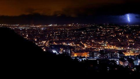 Alerta por lluvias en el litoral catalán y los chiitas se despiden del muharram: el día en fotos