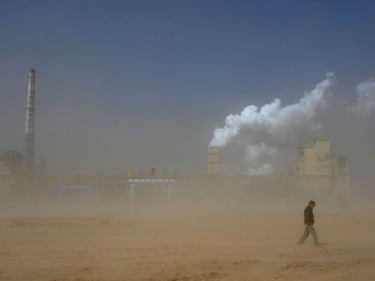 Foto: A pesar de los esfuerzos que se están llevando a cabo para reducir las emisiones de CO2, el objetivo está todavía muy lejos. Reuters