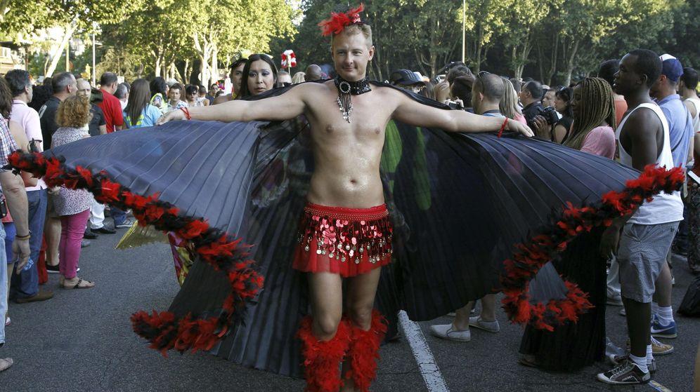 Foto: Un participante en la Fiesta del Orgullo Gay del año pasado. (EFE)