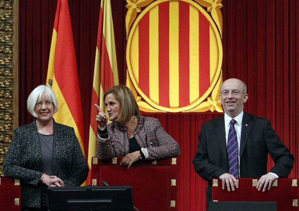 Foto: La presidenta del Parlament, Núria de Gispert (c). (EFE)
