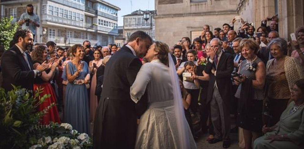 Foto: Foto de la salida de la iglesia de la boda de Marta Rivera de la Cruz. (Foto: Pedro Ruíz)
