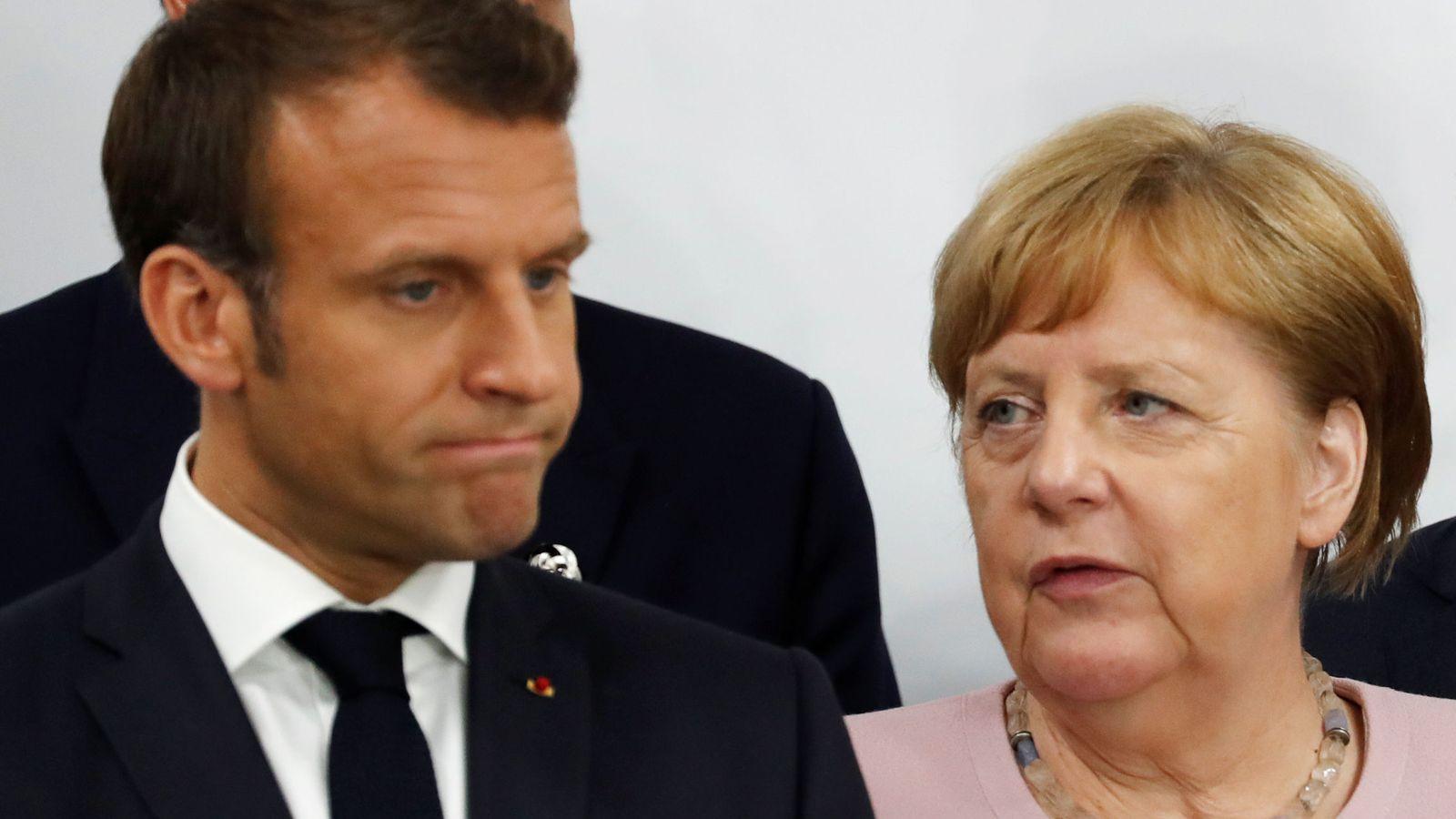 Foto: El presidente francés, Emmanuel Macron, y la canciller Angela Merkel durante una rueda de prensa en el G-20 de Osaka. (Reuters)