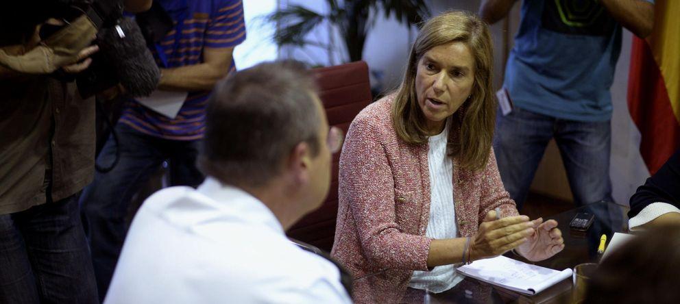 Foto: La ministra de Sanidad, Ana Mato (d) (Efe)