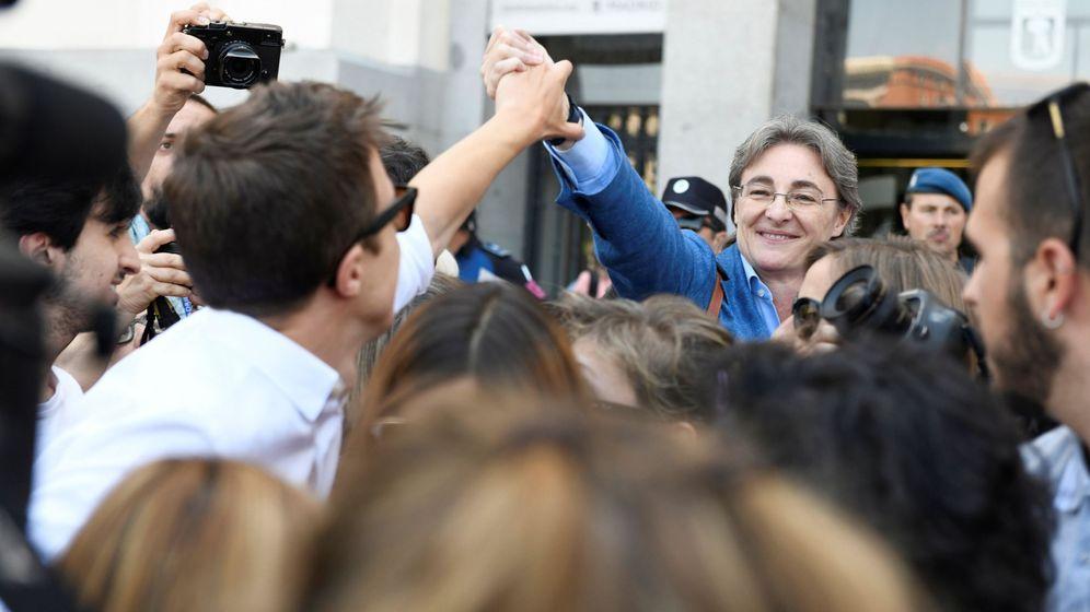 Foto: La ex primera teniente de alcalde de Madrid Marta Higueras (d) y el candidato de Más Madrid a la Presidencia de la Comunidad, Íñigo Errejón (i). (EFE)