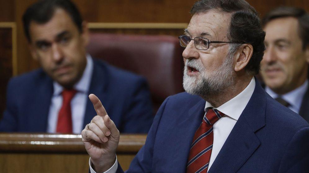 Foto: El presidente del Gobierno, Mariano Rajoy, en la sesión de control de este miércoles. (Efe)