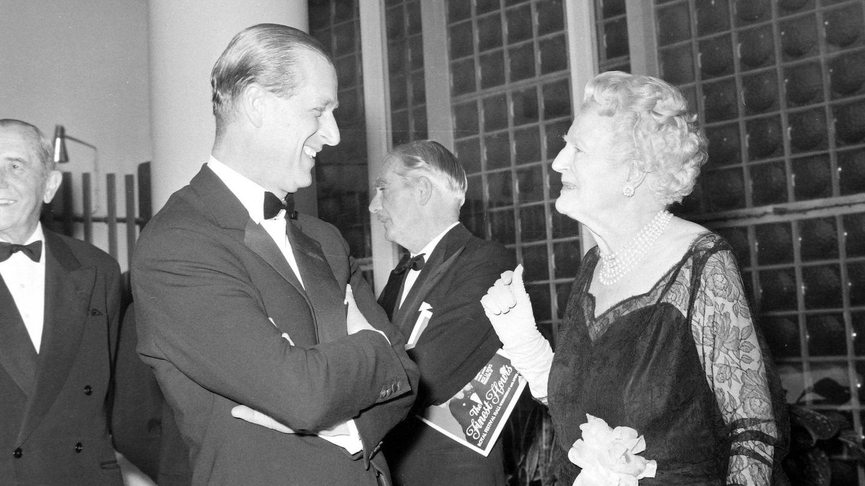 Clementine Hozier, junto a Felipe de Edimburgo en 1964. (Cordon Press)
