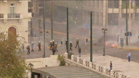 Violentos disturbios en Atenas tras una manifestación de estudiantes griegos