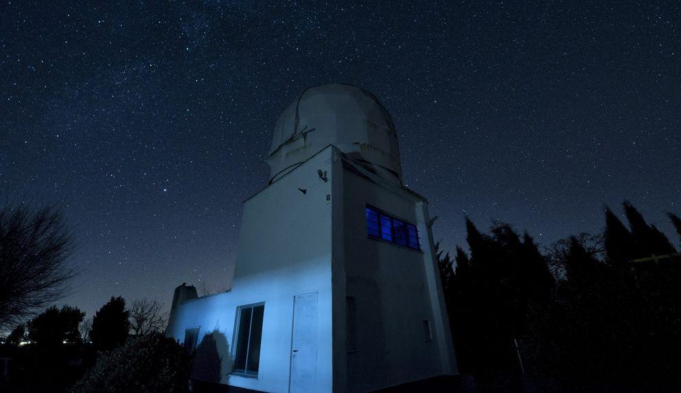 Foto: El observatorio de la Puebla de Almoradiel (EFE)