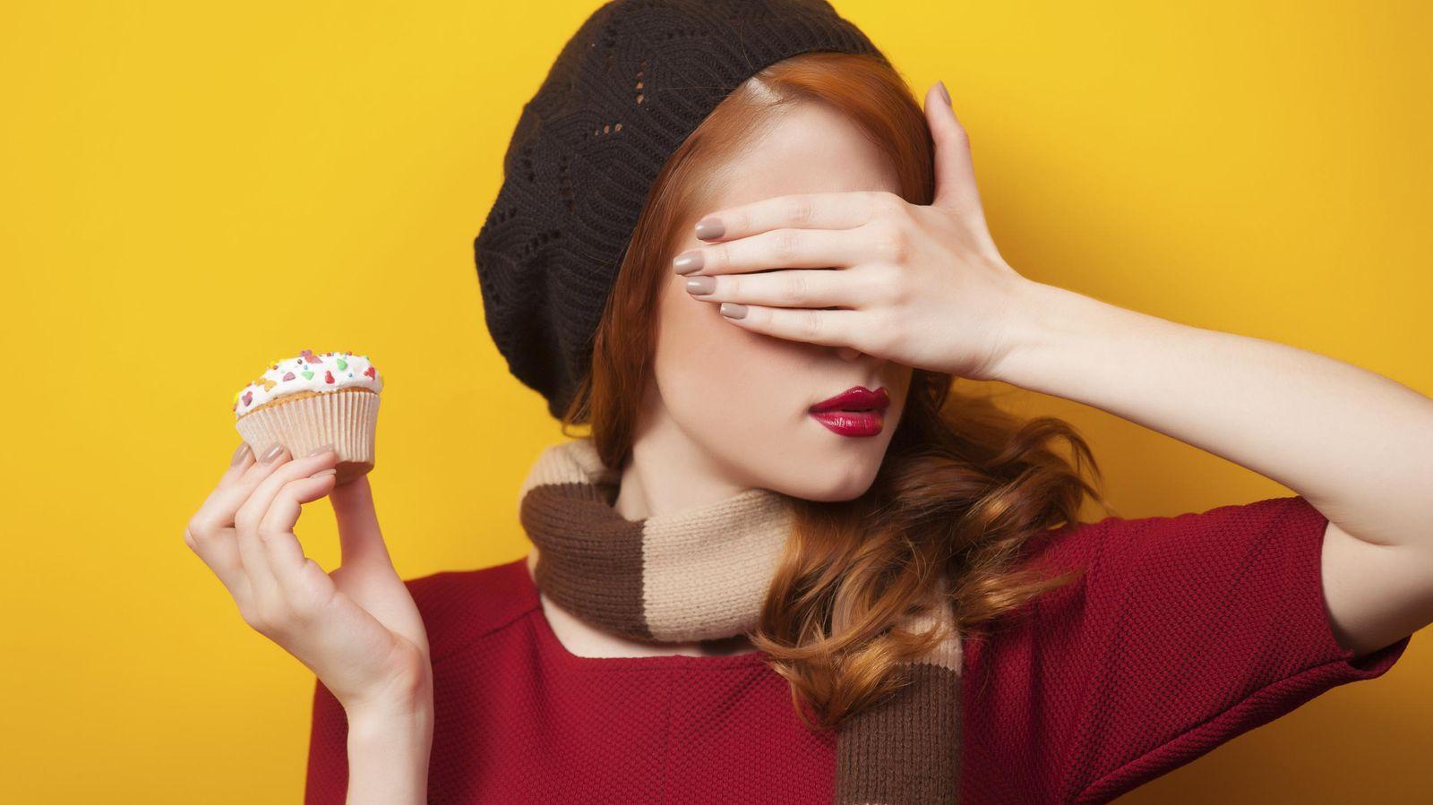Foto: No basta con no mirarlos. Si quieres proteger tu salud, trata de erradicarlos de tu dieta. (iStock)