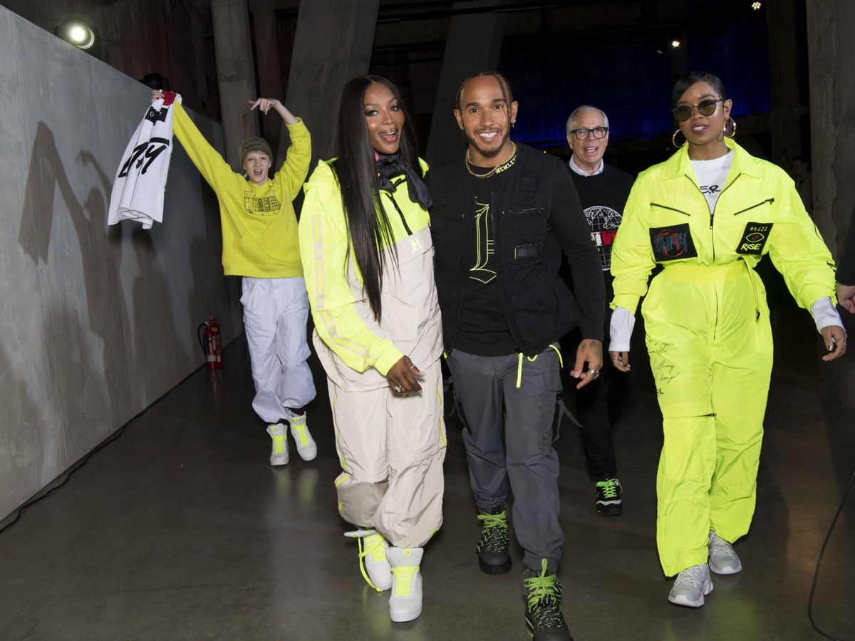 Foto: Naomi Cambpell, Lewis Hamilton y H.E.R. (Cortesía Tommy Hilfiger)