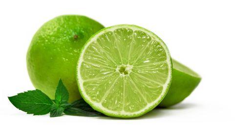 La lima, una fruta exótica rica en vitamina C y potasio