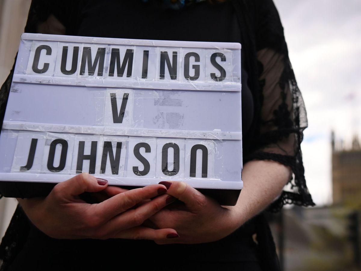 Foto: Un manifestante frente al Parlamento británico. (EFE)