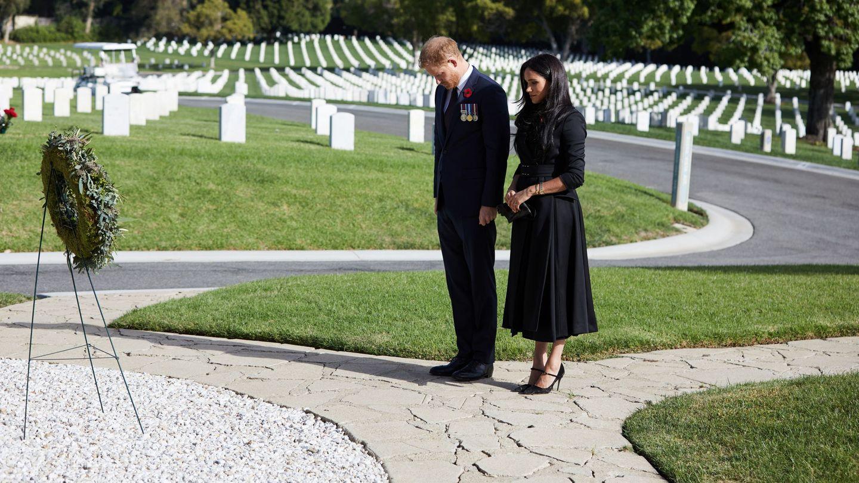 Meghan y Harry, el pasado noviembre en un cementerio de Los Ángeles. (Reuters)