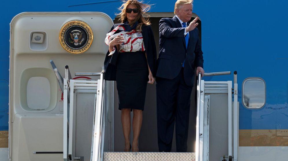 Foto: Trump y su esposa llegan a Londres. (EFE)