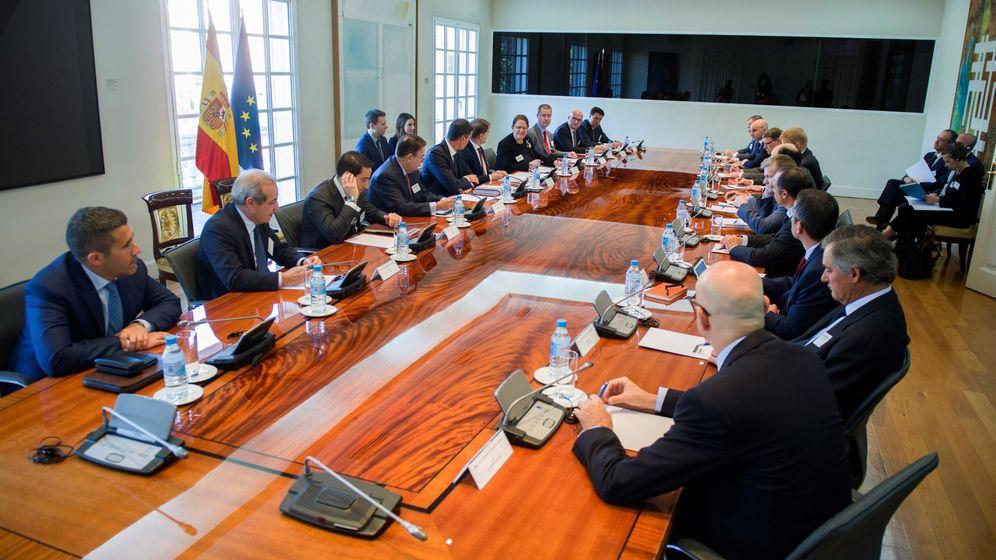 Foto: Pedro Sánchez mantiene un encuentro con empresarios e inversores. (EFE)
