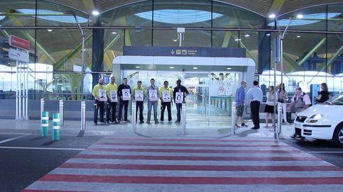 Los plastificadores ilegales arruinan a la concesionaria oficial de Barajas