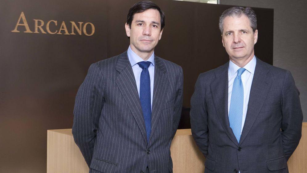 Foto: Álvaro de Remedios (i) y Jaime Carvajal (d), presidente y consejero delegado de Arcano. (Arcano)
