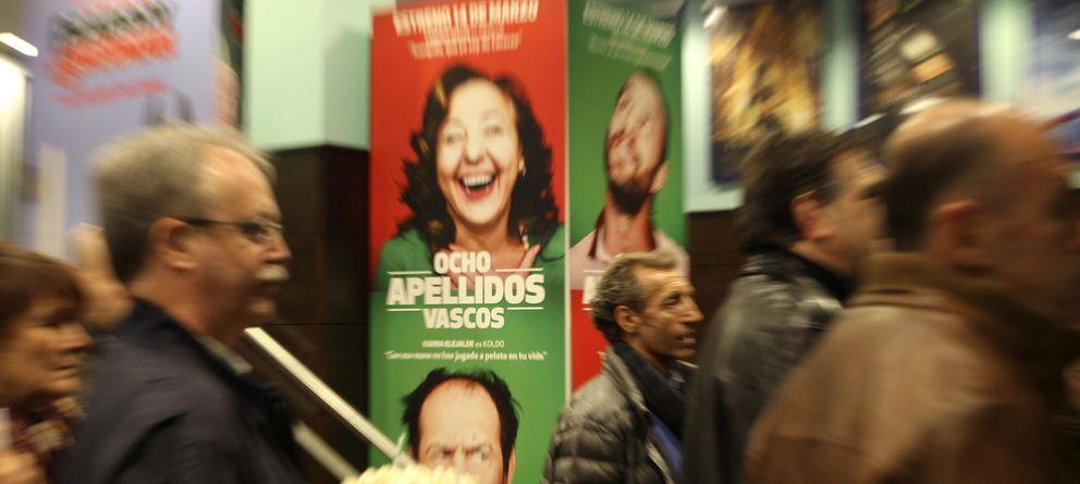 Foto: Un cine donde proyectan 'Ocho apellidos vascos' (Efe)