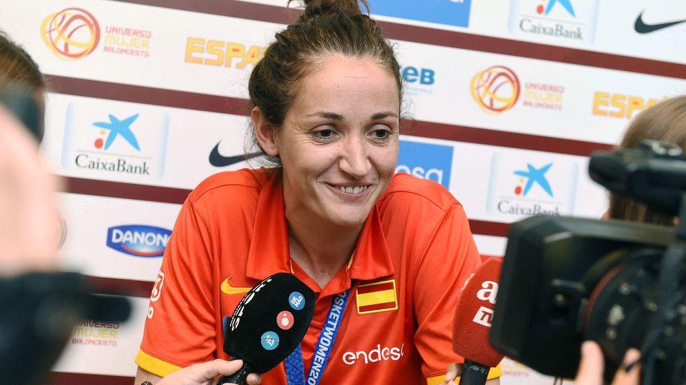 Foto: Laia Palau ha ganado 10 medallas con la selección española, la última el oro en el EuroBasket del año pasado. (EFE)