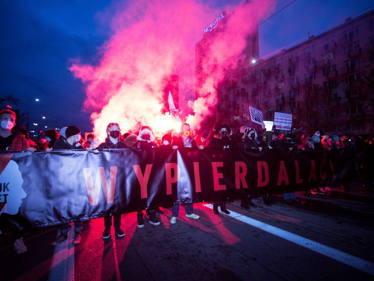 Na zdjęciu: Protesty przeciwko polskiemu rządowi.  (Reuters)