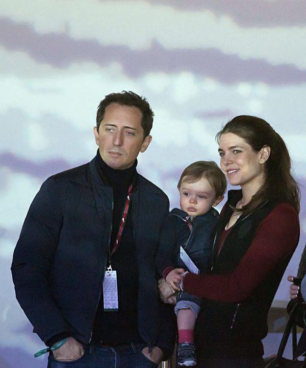 Foto: Gad Elmaleh y Carlota Casiraghi con el pequeño Raphaël