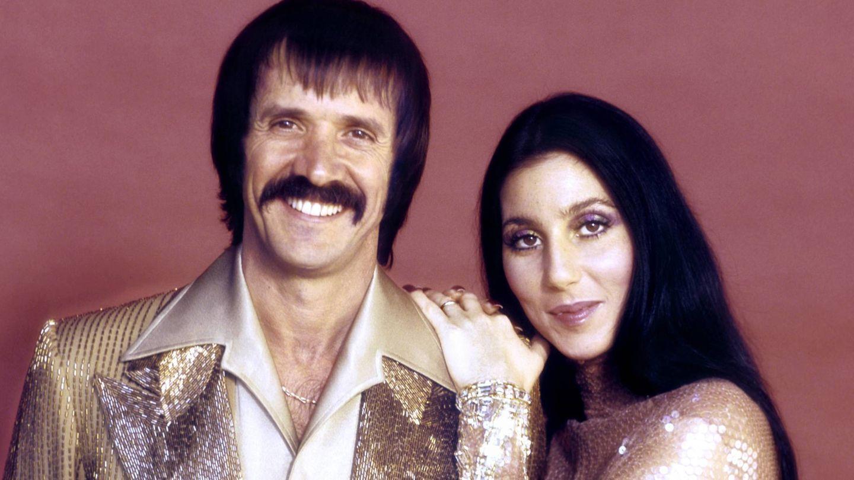 Sonny Bono y Cher, en 1971. (CP)