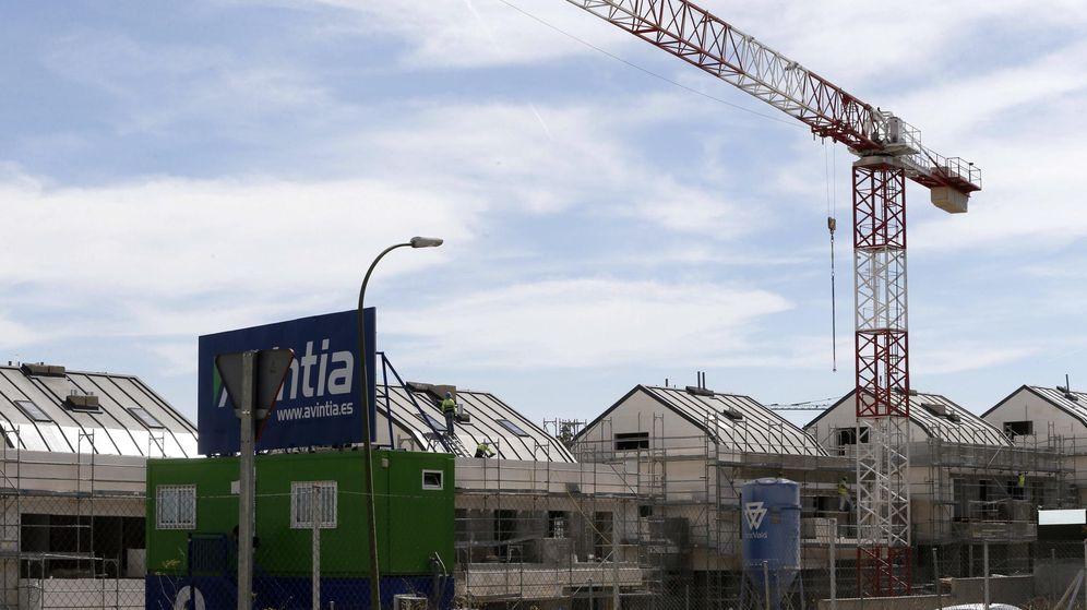 Foto: Viviendas en construcción en Valdebebas, Madrid. (EFE)