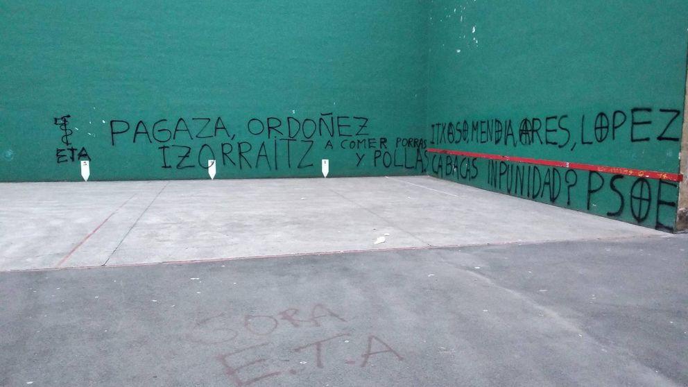 Aparecen pintadas amenazantes contra víctimas de ETA y dirigentes del PSE