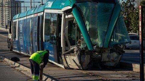 Cuatro heridos al descarrilar un tranvía en Barcelona