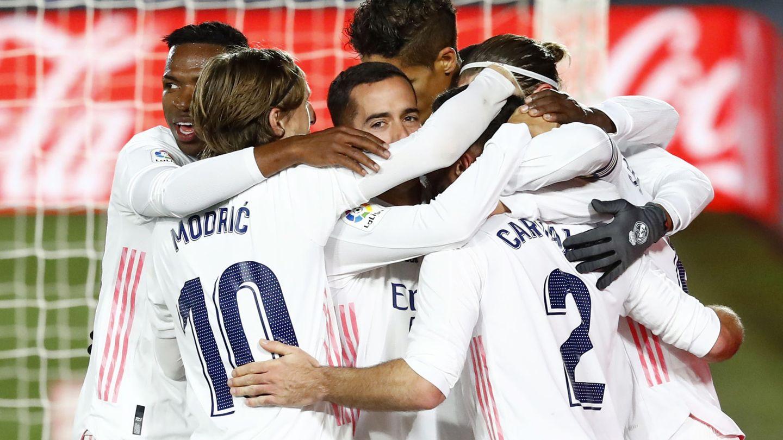 El equipo blanco celebra el segundo gol. (Reuters)
