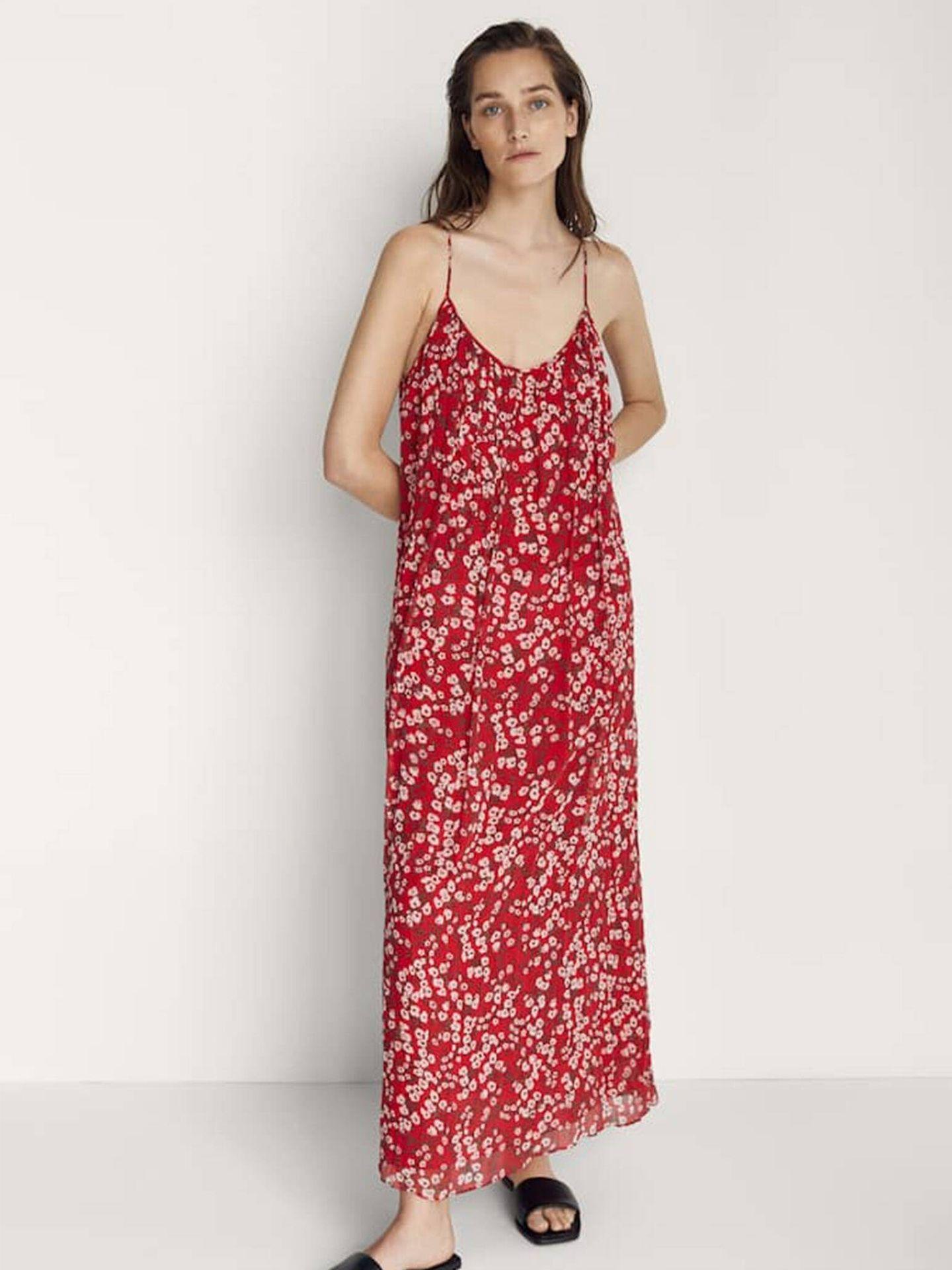 Vestido de flores low cost de Massimo Dutti. (Cortesía)