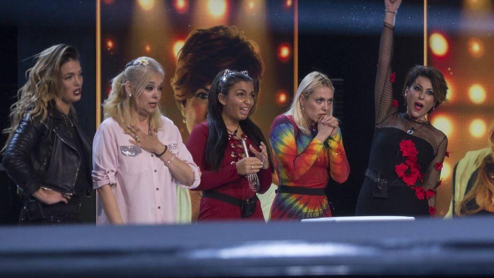 Foto: Elettra y Emma Ozores con las tres finalistas de 'GH VIP 5'. (Mediaset España)
