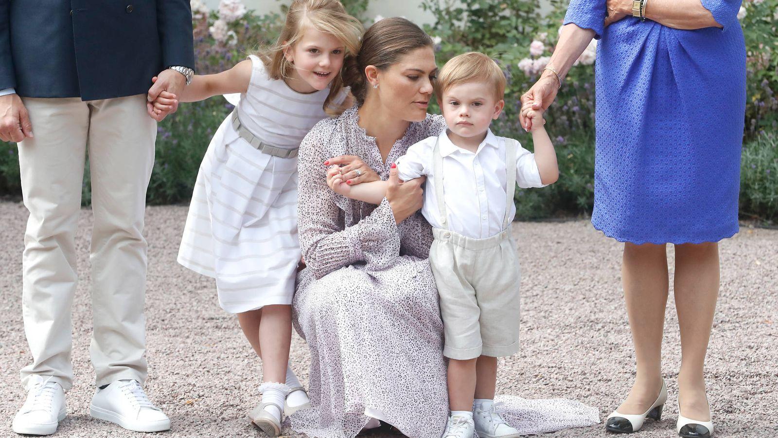 Foto:  Victoria de Suecia, con sus hijos. (Getty)