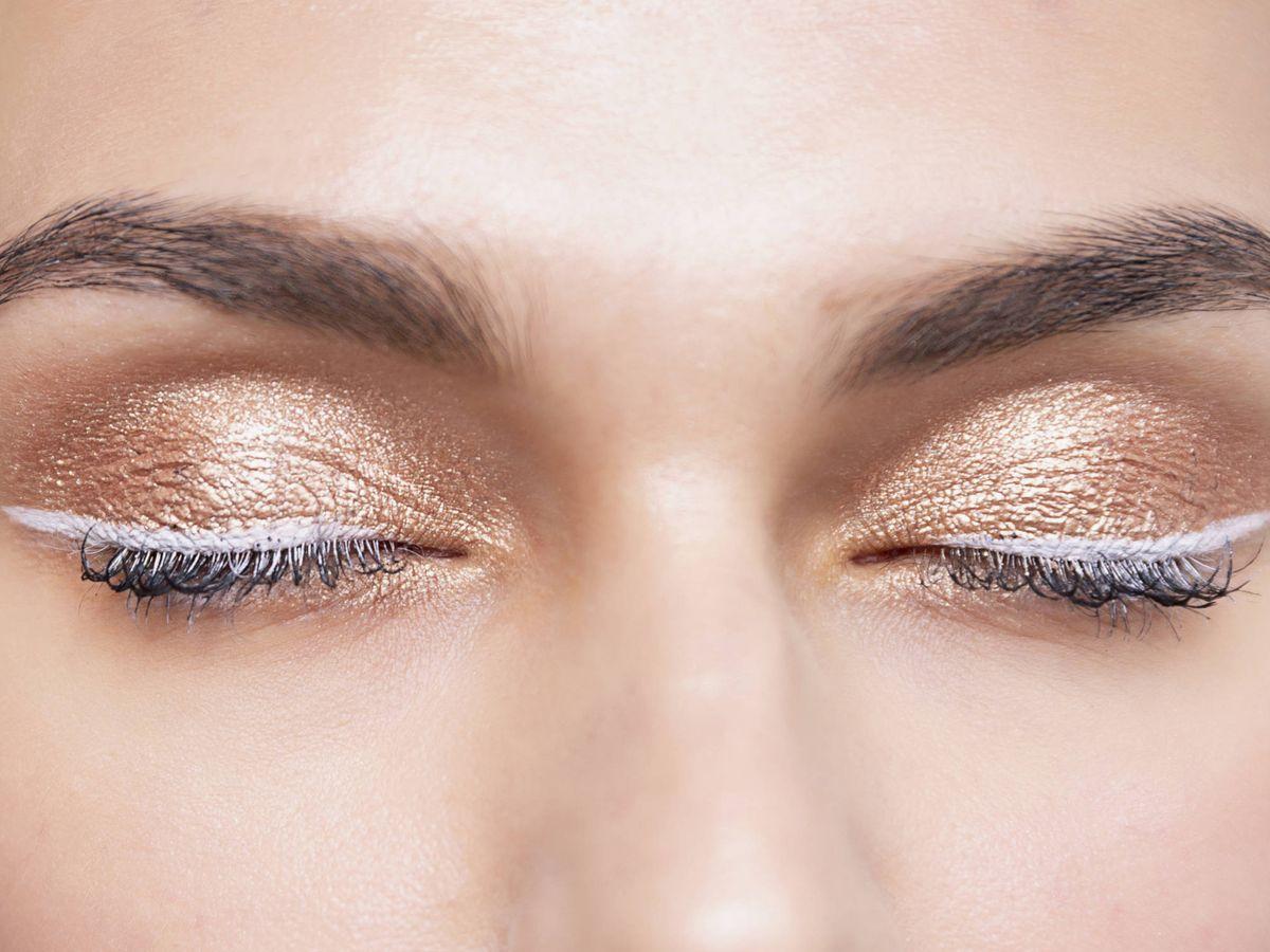 Foto: Cómo maquillarse los ojos este verano: el nuevo poder del eyeliner. (Imaxtree)