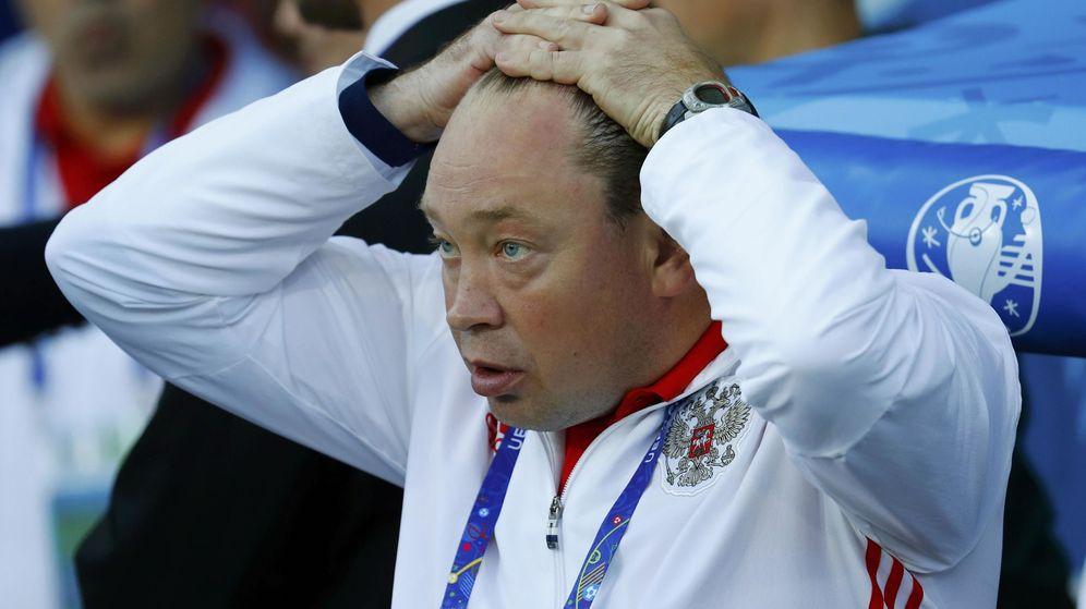 Foto: Leonid Slutski, seleccionador de Rusia durante la Eurocopa. (Reuters)
