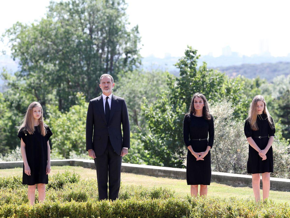 Foto: Los Reyes y sus hijas. (Efe)