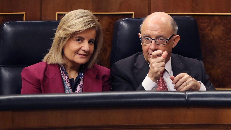 Casado integra a Báñez y Montoro como 'nuevos' referentes en política económica