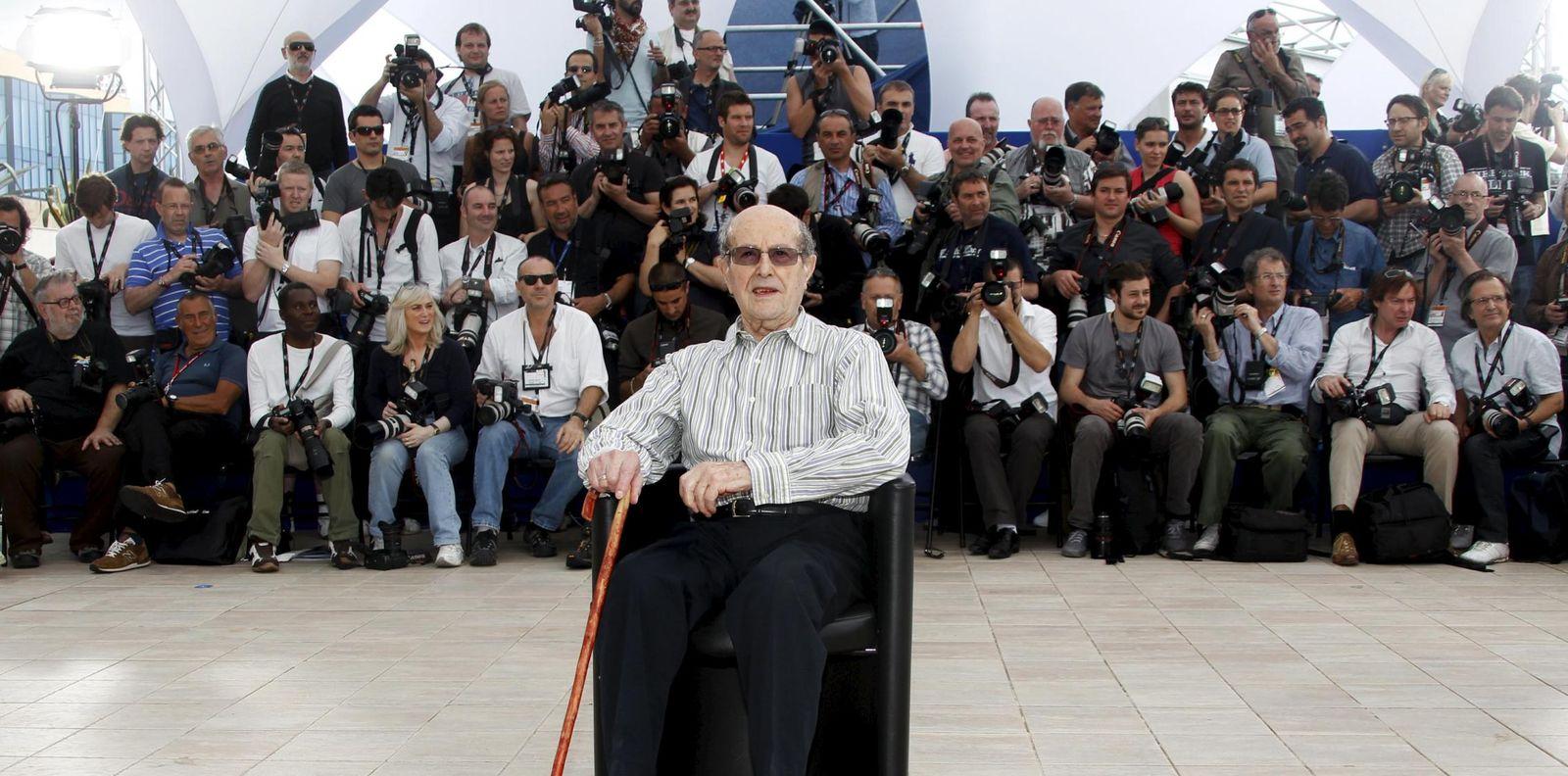 Foto: El director portugués, en el Festival de Cannes de 2010, con la película 'O estranho caso de Angelica'. (REUTERS)