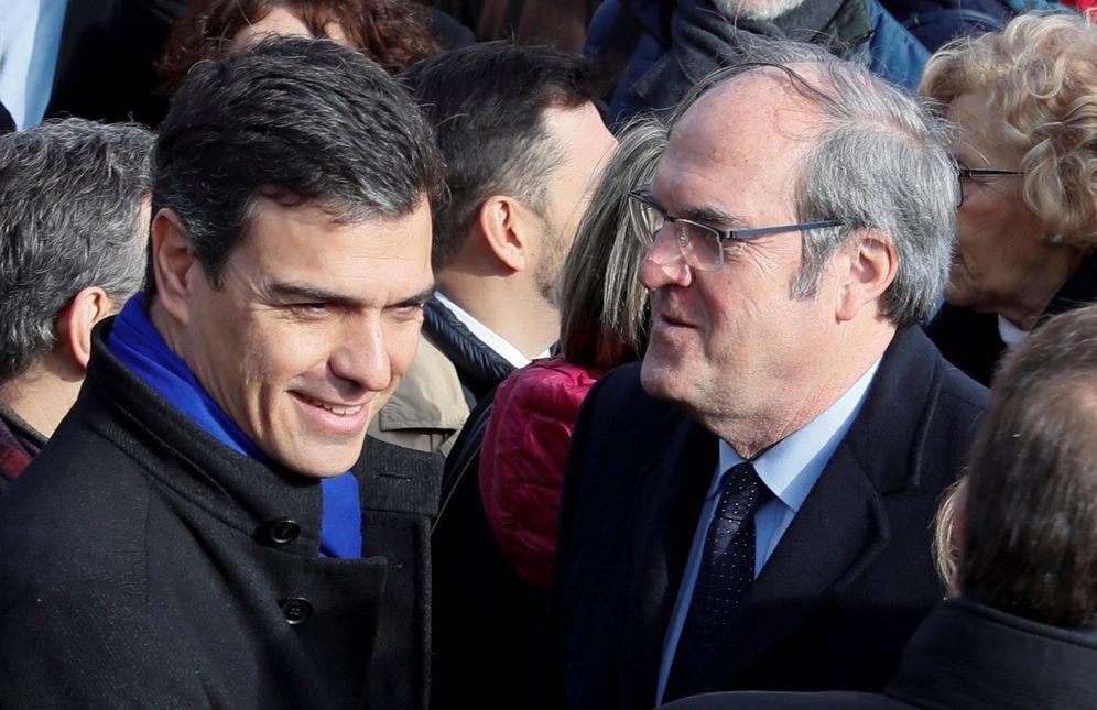 Foto: Pedro Sánchez y Ángel Gabilondo, el pasado 11 de marzo en Madrid, en los actos por el 14º aniversario de la masacre del 11-M. (EFE)
