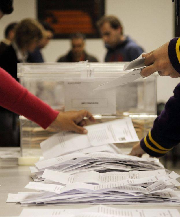Foto: Recuento de votos en Sevilla, en 2011. (EFE)