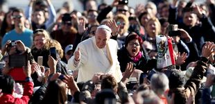 Post de Veto a los cigarrillos en el Vaticano: el Papa prohíbe la venta de tabaco