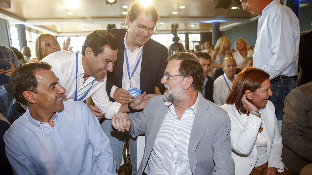 Foto: El presidente del Gobierno y del PP, Mariano Rajoy, junto a Juanma Moreno, Isabel Bonig y Martínez-Maillo. (EFE)