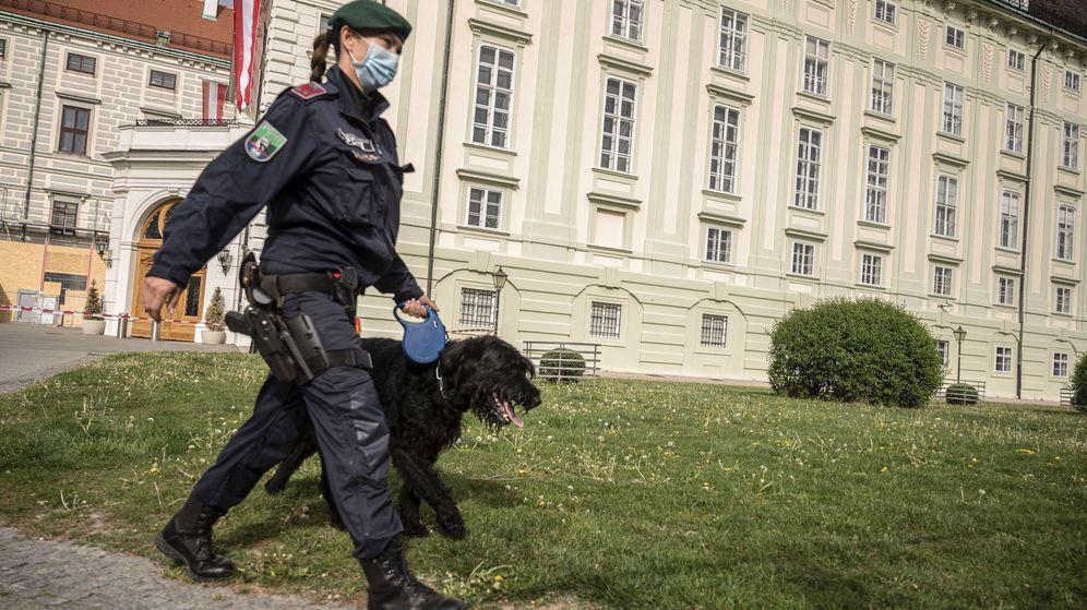 Foto: Una policía en Viena. (EFE)