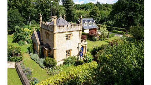 El castillo más pequeño de Inglaterra está a la venta y... no es tan caro