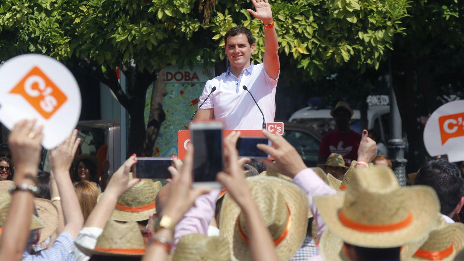 Foto: Albert Rivera, líder de Ciudadanos, en un mitin en Andalucía. (EFE)