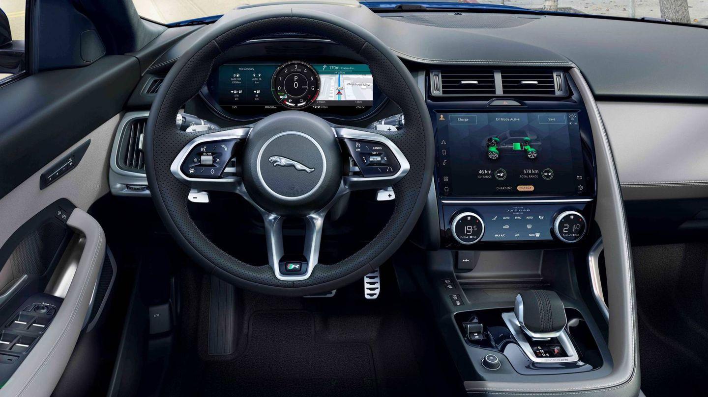 Puesto de conducción muy completo en el nuevo Jaguar E-Pace.