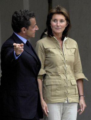 Sarkozy interrumpe una entrevista en la CBS molesto por las preguntas sobre su ex mujer