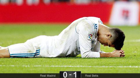 El agobio del Bernabéu ahoga al Madrid en su propio charco y se aleja del liderato